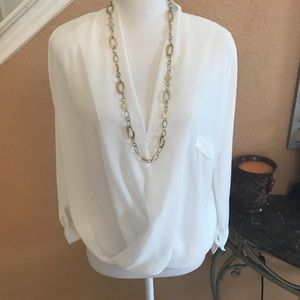 Tops - 💫 Gorgeous Sheer Blouse 💫